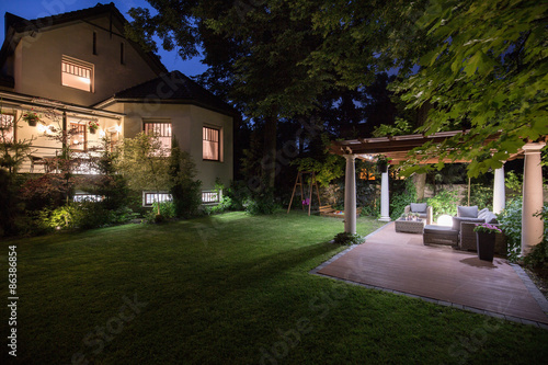 Luxury residence with beauty patio stockfotos und for Beauty residence