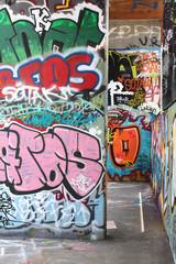 Street art  / Lille - Halle de glisse