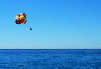 Paravelismo, parasailing, paracaídas, deporte, deporte acuático, mar, verano