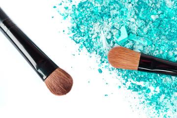 Crumbled eyeshadow with brush