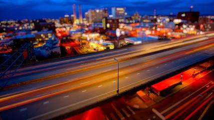 Spokane, Washington and Freeway at Night Fotomurales