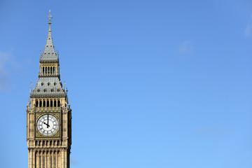 Photo sur Plexiglas Londres Big Ben isolated against a deep blue sky