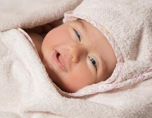 Sorriso di una bimba appena nata