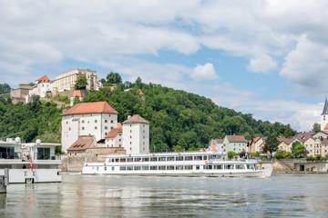 Uitzicht over Donau en Veste Oberhaus in Passau