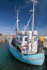 Alter Fischkutter im Hafen