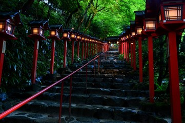 夕暮れの貴船神社