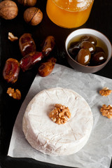 delicious Camembert with honey and nuts