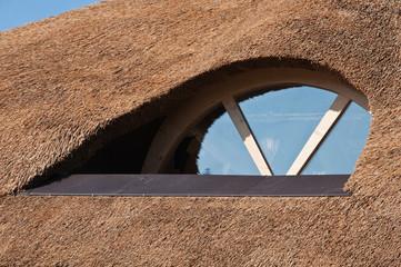 Obraz okno dachowe - fototapety do salonu