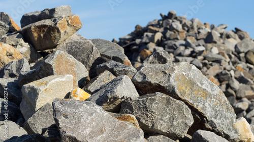 steine granit natursteine bruchsteine baustoffe. Black Bedroom Furniture Sets. Home Design Ideas