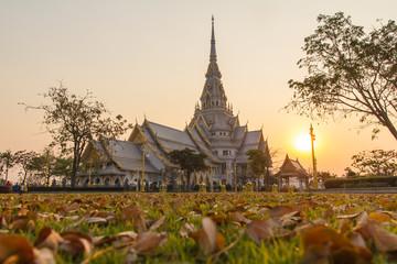 Temple Buddhist Sothon evening