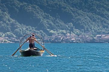Una Lucia, tipica imbarcazione del lago di Como