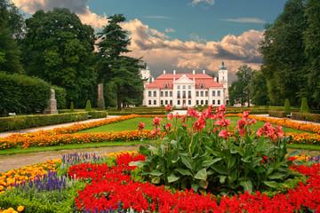 Obraz Garden in the French Baroque style. Kozlowka, Poland. - fototapety do salonu