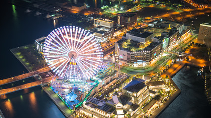 Photo sur Plexiglas Londres Aerial night view of Yokohama Cityscape at Minato Mirai waterfro
