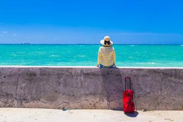 Fototapeten Lavendel 沖縄旅行をする女性