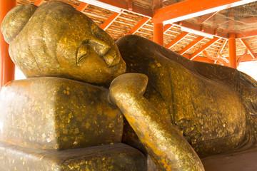 Big golden Buddha in Wat Thailand.