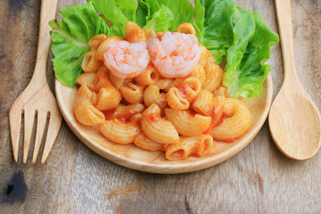 Macaroni with shrimp