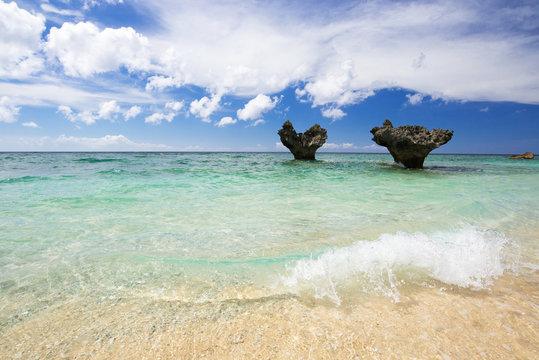 沖縄のビーチ・ハートロック・ティーヌ浜