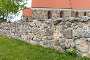 Feldsteinmauer in der Uckermark