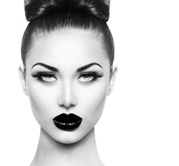 Foto auf Leinwand Fashion Lips High fashion beauty model girl with black make up and long lushes