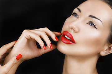 Beautiful Sexy Young Girl with Red Lips, Bright Make-up on Dark
