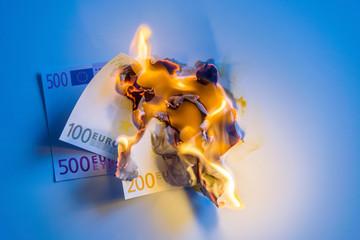 Geld brennt lichterloh