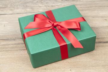 Grünes Weihnachtsgeschenk