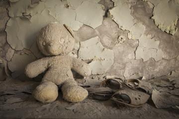 Chernobyl - Teddy bear in abandoned house
