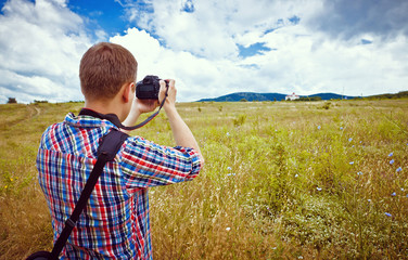 photographer takes nature