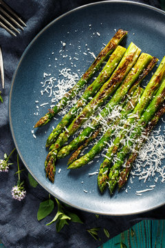 Grilled green asparagus with parmesan cheese