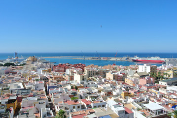 Foto op Aluminium Algerije Panoramic view on the Andalusian coastal town of Almeria from the top of Alcazaba fortress, on a sunny summer day.