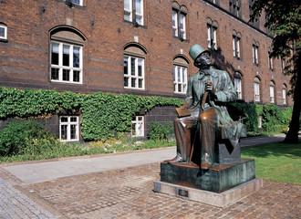 コペンハーゲンのアンデルセン像
