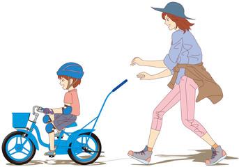 7-初めての自転車練習-ボク一人で乗れたよ~♪(右側面) [12インチサイズの幼児用自転車に乗って、補助輪無しで自転車に乗る練習をする男の子と、それを 優しく手助けする母親と家族の風景です。]
