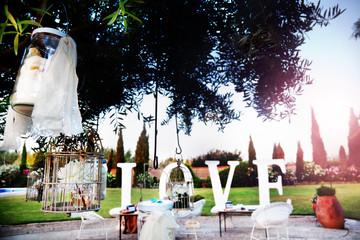 Ceremonia al aire libre. Decoración de eventos festivos. amor