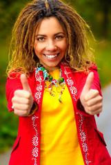 Girl with dreadlocks speaks - ok!