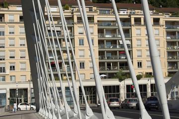 Pont Schuman et immeubles Lyon France 14