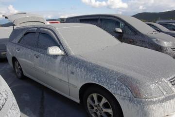 御嶽山噴火直後の火山灰を被った自分の車