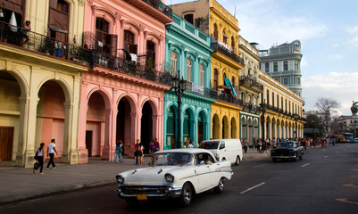 Classic cars and antique buildings in Havana, Cuba