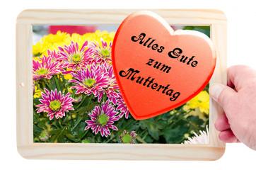 Bilderrahmen mit Blumenbild und Herz