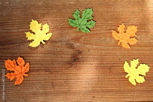 Herbstblatter Auf Holzdiele Platz Fur Schrift Stock Photo And