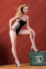 白人女性の水着ポートレイト