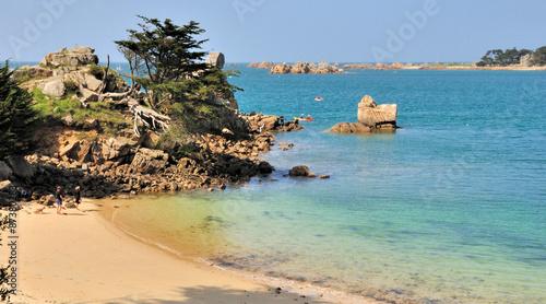 Petite plage du rocher du voleur penv nan port blanc en bretagne photo libre de droits sur - Meteo port blanc bretagne ...