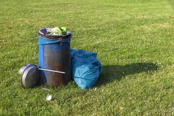 Mülleimer Wiese