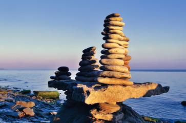 Pyramidal equilibration