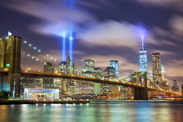 Manhattan skyline with Brooklyn Bridge and the Towers of Lights in New York