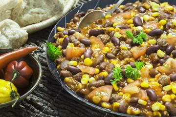 Chili con Carne in Iron Pan