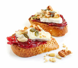 toasted bread with brie and jam