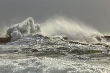 Poster de jardin Eau Stormy waves