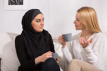 Drinking tea with muslim