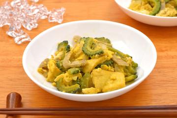 ゴーヤチャンプルー/代表的な沖縄料理