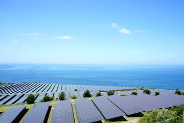 Large Photovoltaic power station (solar park) in Japan / ソーラーパネルが並ぶ巨大な太陽光発電所